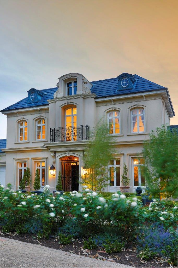 Outside of Home at Dusk | Rosslyn Home Building Project Adelaide